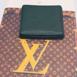 Louis Vuitton Taiga Porte Monnaie Coin Wallet